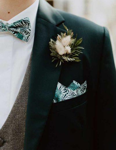 Fleuriste costume de mariage